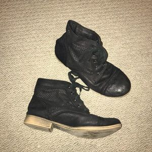 Black ankle boots, Roxy